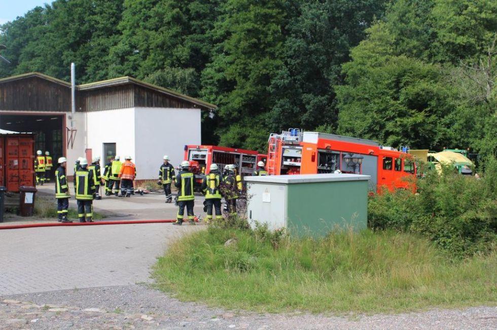 Strohballenpresse gerät in Bommelsen in Brand ...